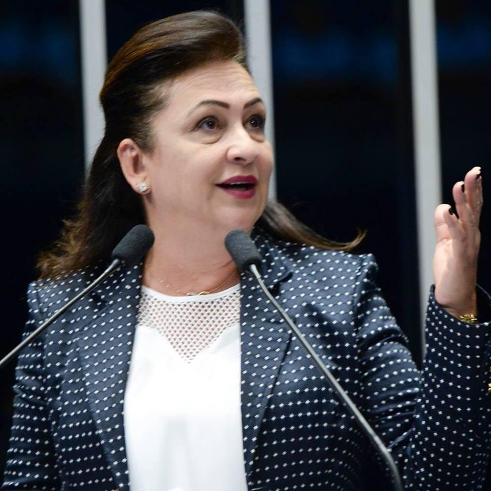 Kátia Abreu garante mais de R$ 5 milhões para compra de máquinas de pavimentação asfáltica nos municípios do Tocantins