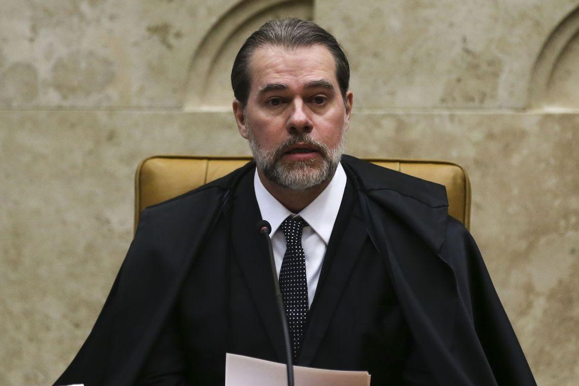 Ministro Dias Toffoli é internado com quadro de pneumonia