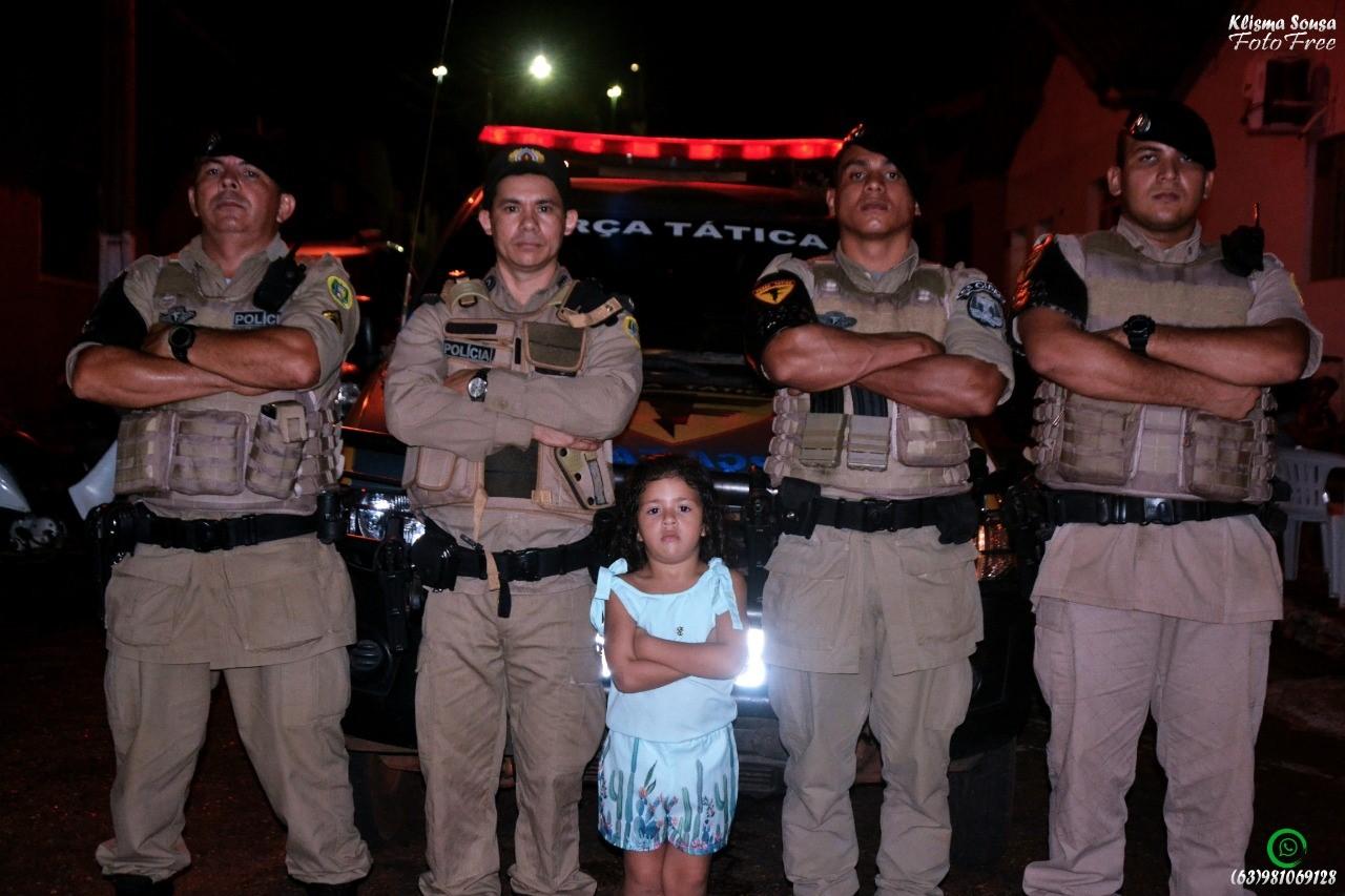 Em Tocantinópolis (TO), PM participa de festa de criança de 5 anos que sonha em ser policial