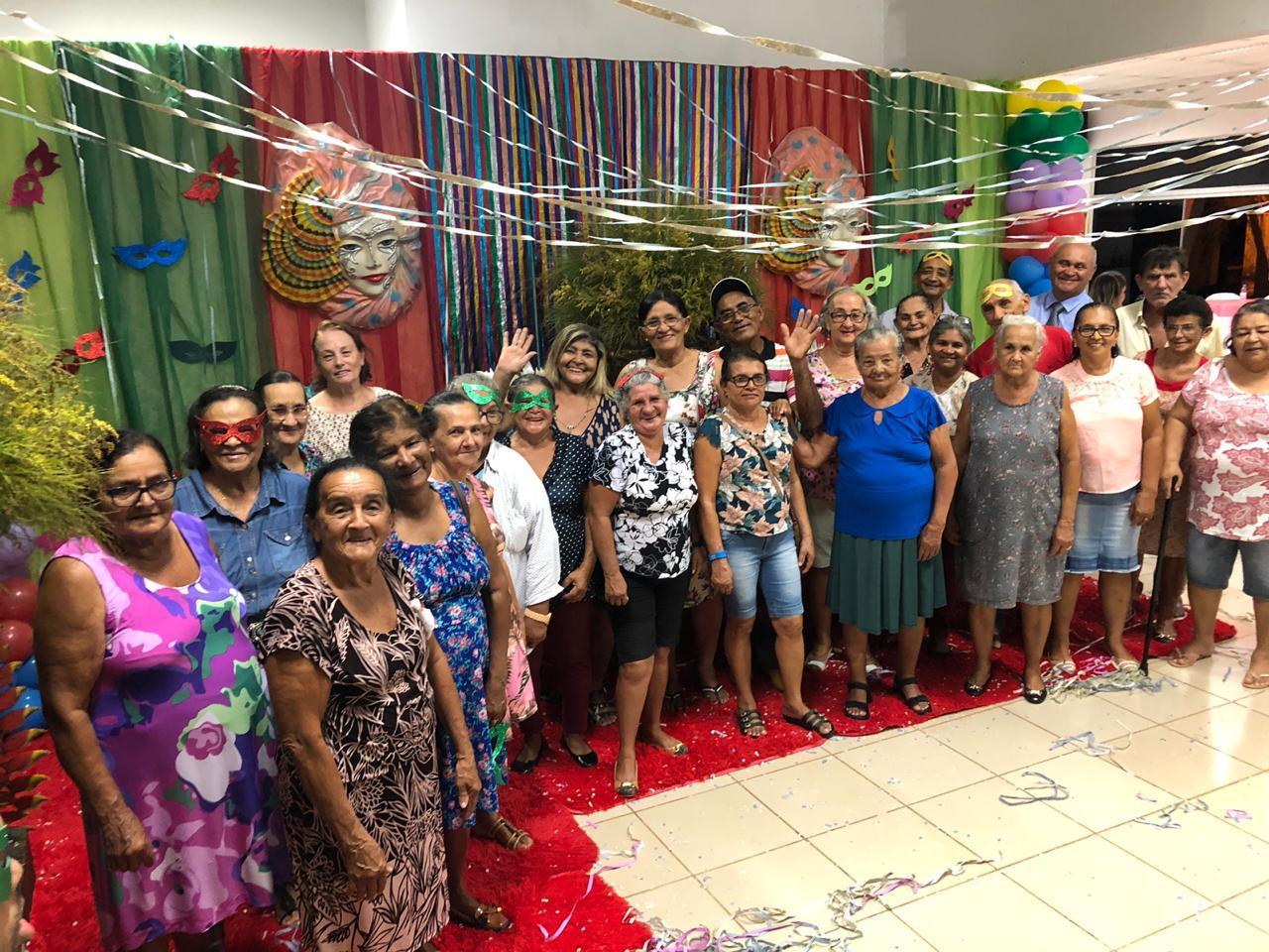 Prefeitura de Lagoa da Confusão realiza Baile de Máscaras para idosos atendidos pelo CRAS