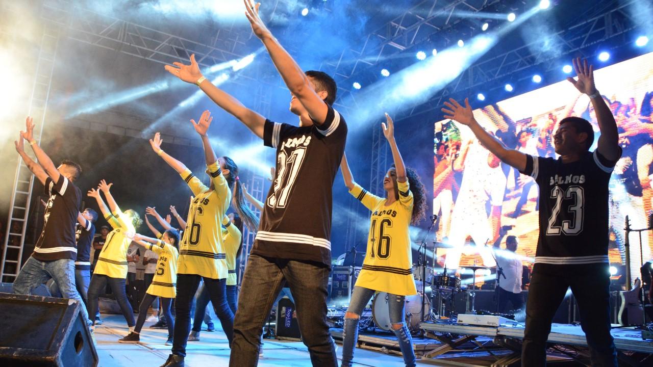 Duzentos jovens se reúnem para realizar Flash Mob em alusão ao Palmas Capital da Fé 2019