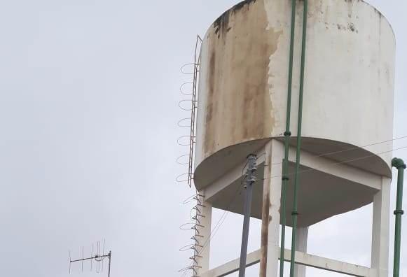Há quatro dias sem água, população de Caseara denuncia descaso da ATS