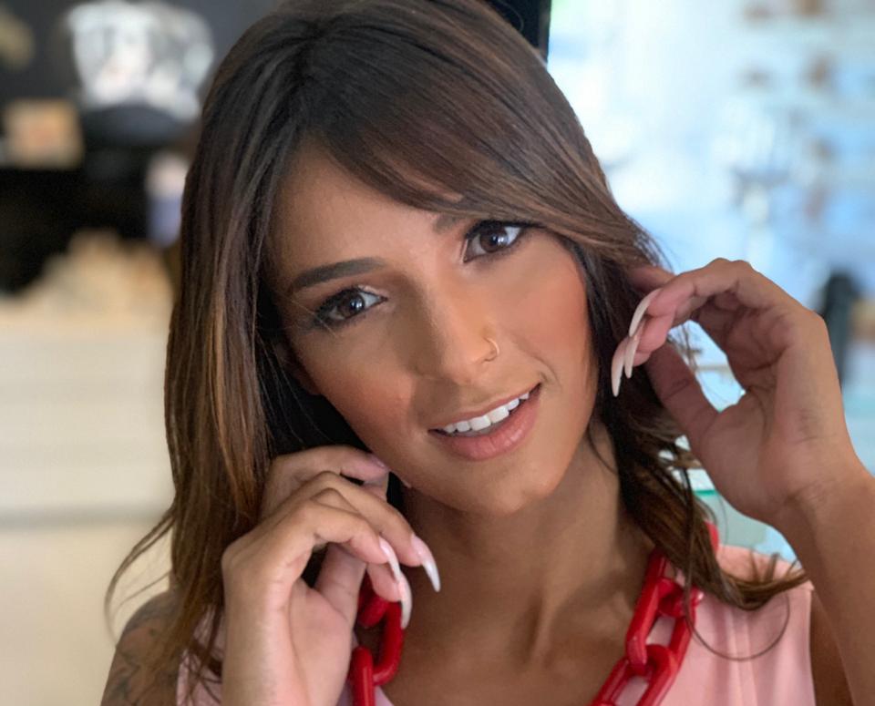 Musa Fitness Daiana Del Puppo fez mais um ensaio espetacular juntamente com a produtora de moda Nubia Fernandes