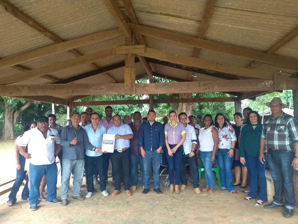 Prefeito de Monte Santo assina ordem de serviço para construção de escola no Assentamento Grota de Pedra