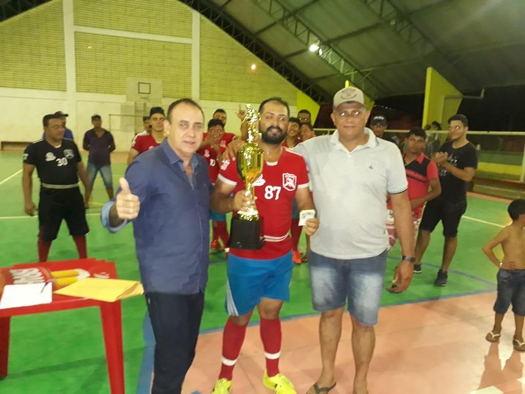 Torneio de futsal em Monte Santo premia equipes com troféus e dinheiro