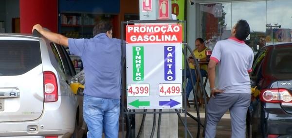 Combustível tem variação de até R$ 0,11 de acordo com a forma de pagamento em Palmas