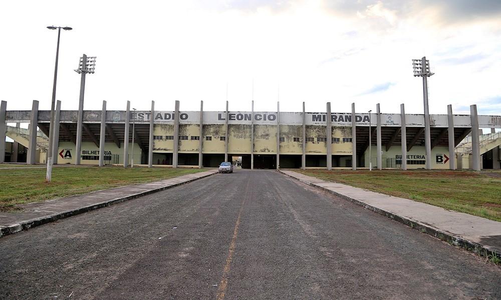 Governo intensifica ação para garantir que os estádios Resendão e Mirandão recebam jogos do Campeonato Tocantinense