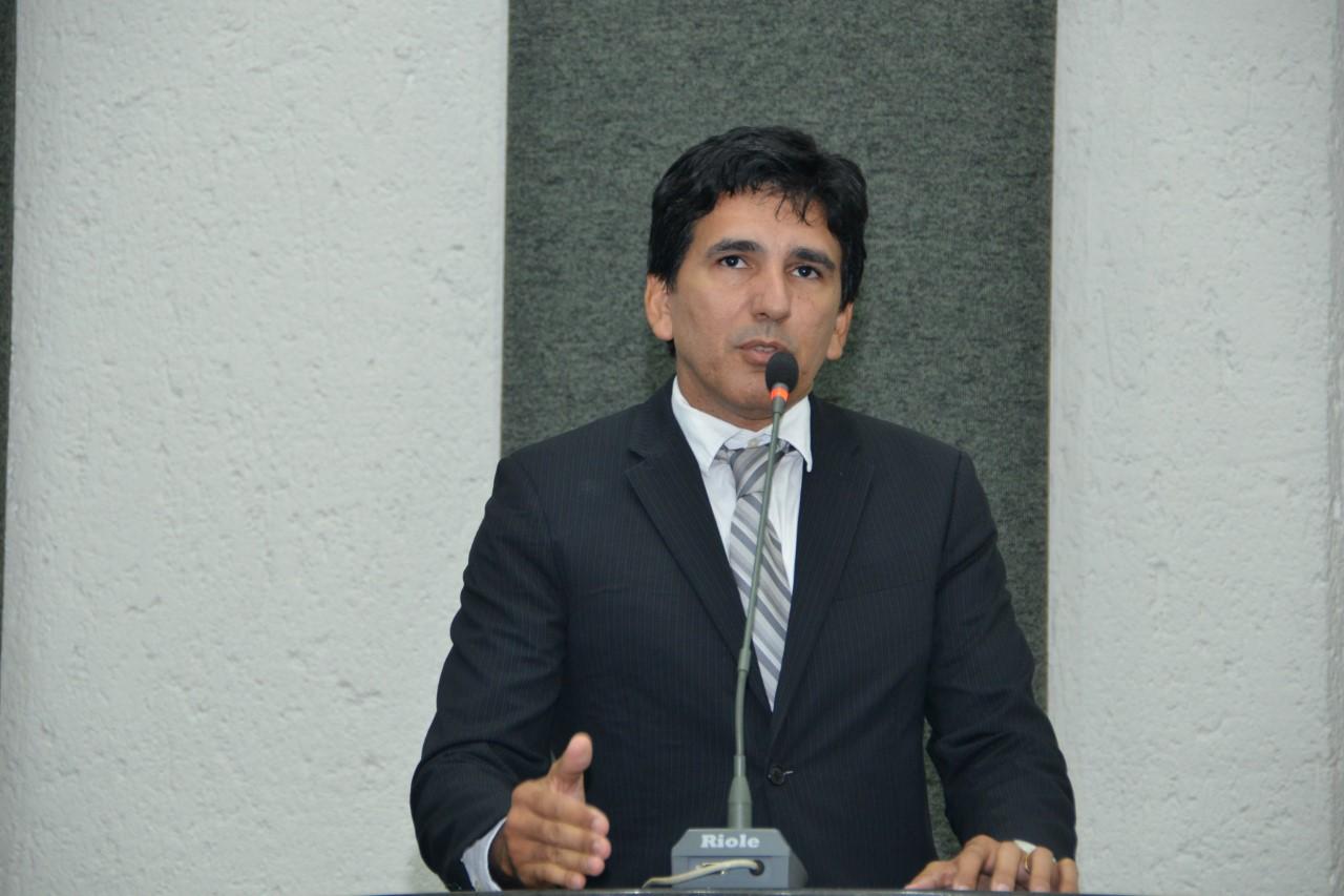 Júnior Geo apresenta PL para a isenção da taxa de inscrição em concursos públicos para os doadores de sangue e medula óssea