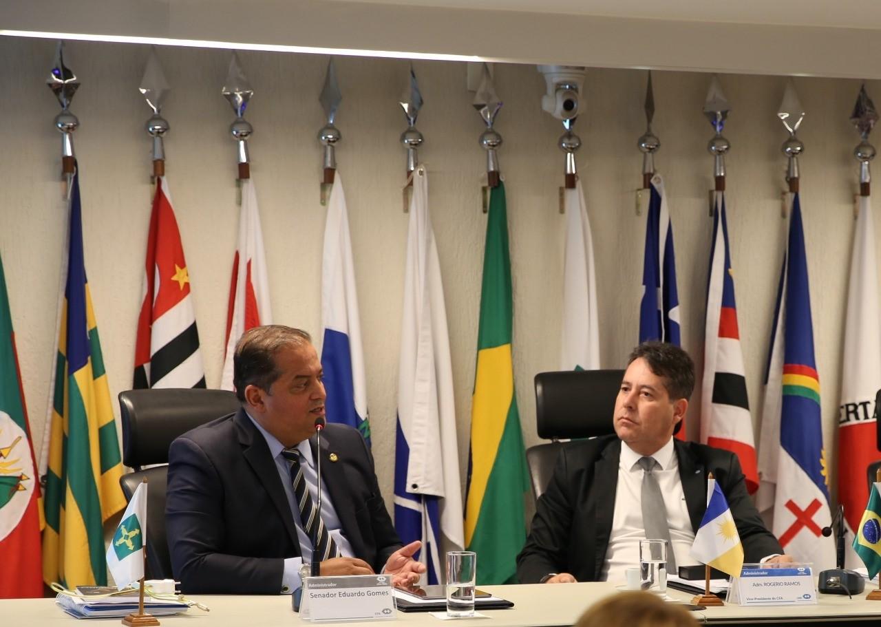 Gestão compartilhada: Rogério Ramos preside plenária do CFA