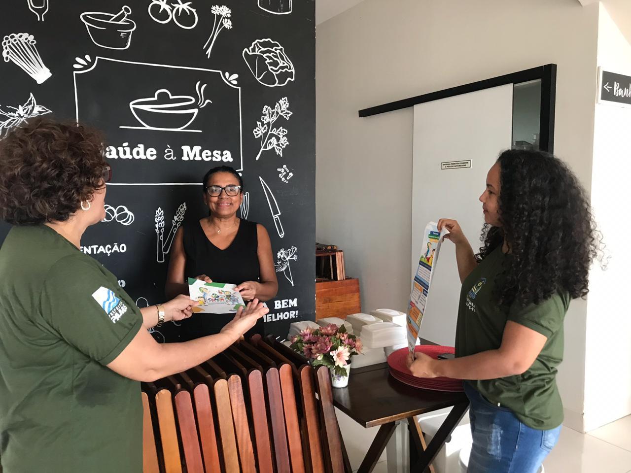 FMA faz visitas ao comércio da Avenida LO-09 em busca de adesão ao Coleta Palmas