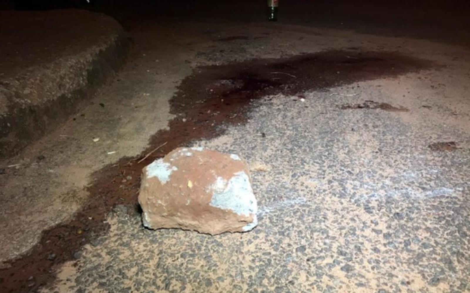 Homem leva pedrada na cabeça e sofre traumatismo craniano após testemunhar assalto em Araguaína