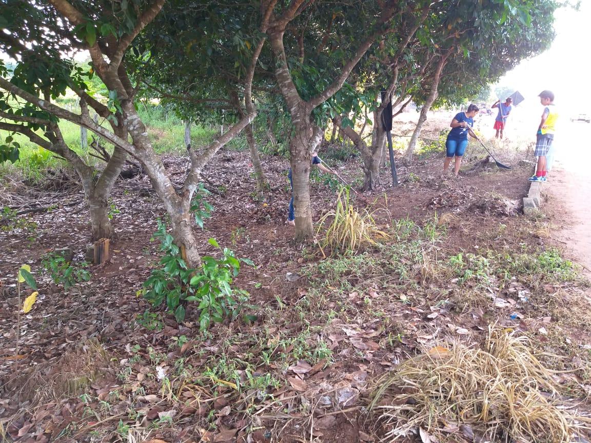 Prefeitura e equipe de voluntários em Marianópolis realizam mutirão para limpeza de área de preservação