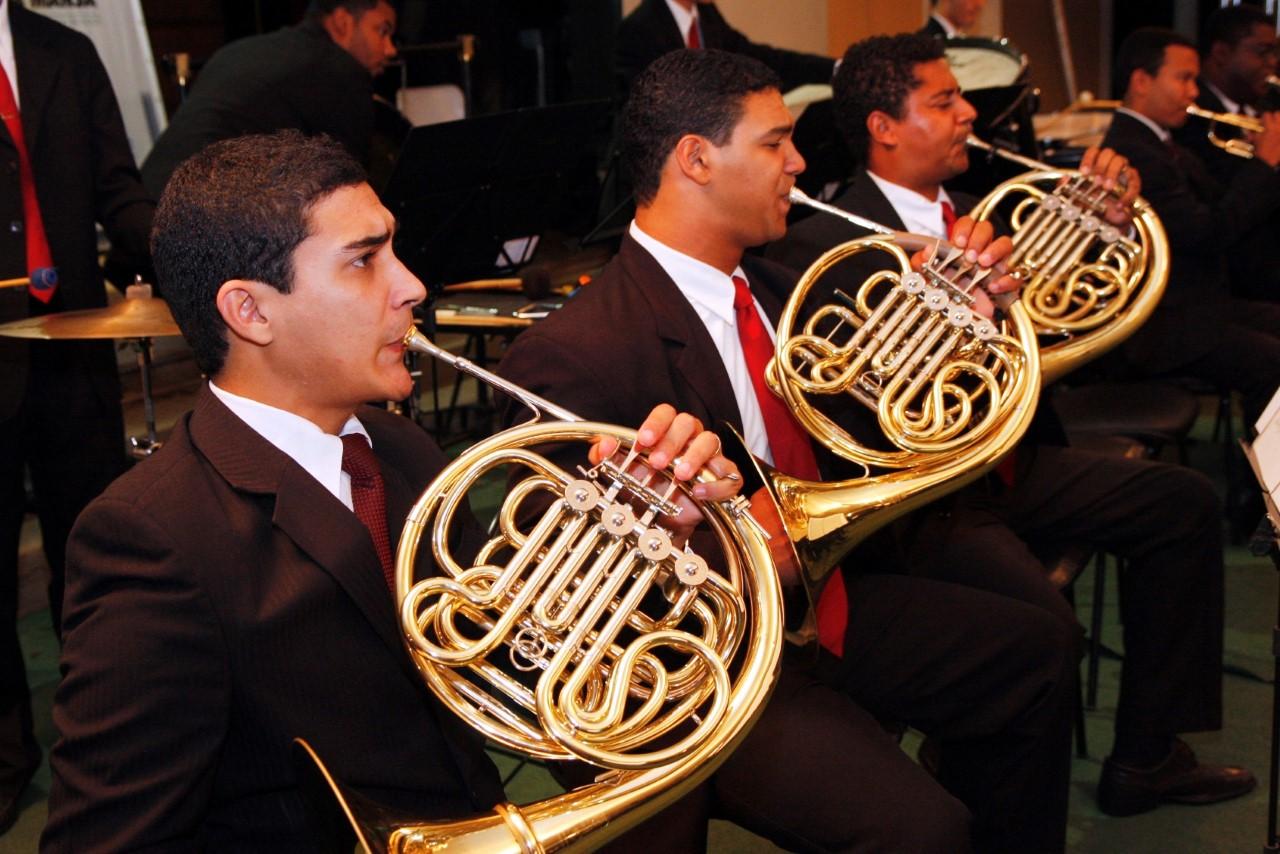 Orquestra Sinfônica de Barra Mansa traz violinista da Costa Rica para apresentação em Areias (SP)