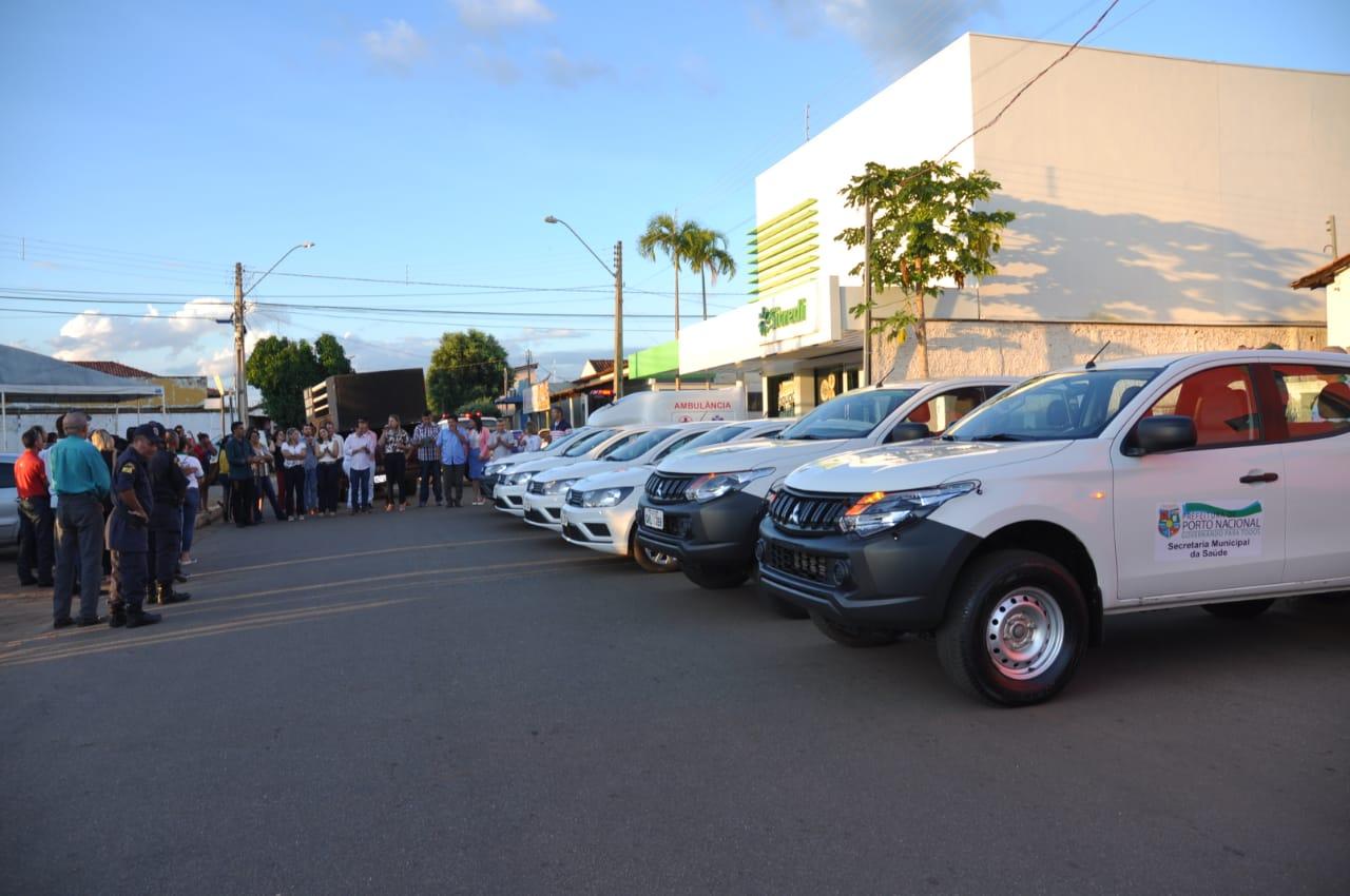 Prefeitura de Porto Nacional entrega nova frota de veículos para a Saúde municipal