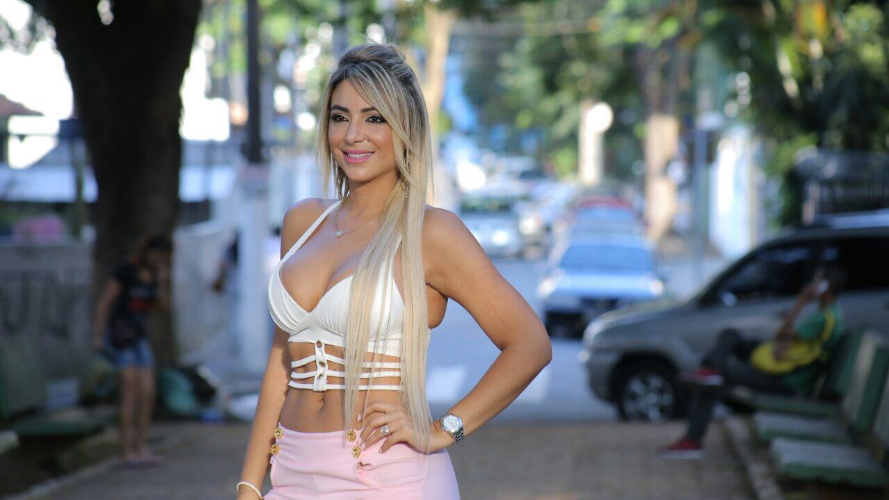 Conheça Paloma Neves, a musa das pegadinhas do João Kleber
