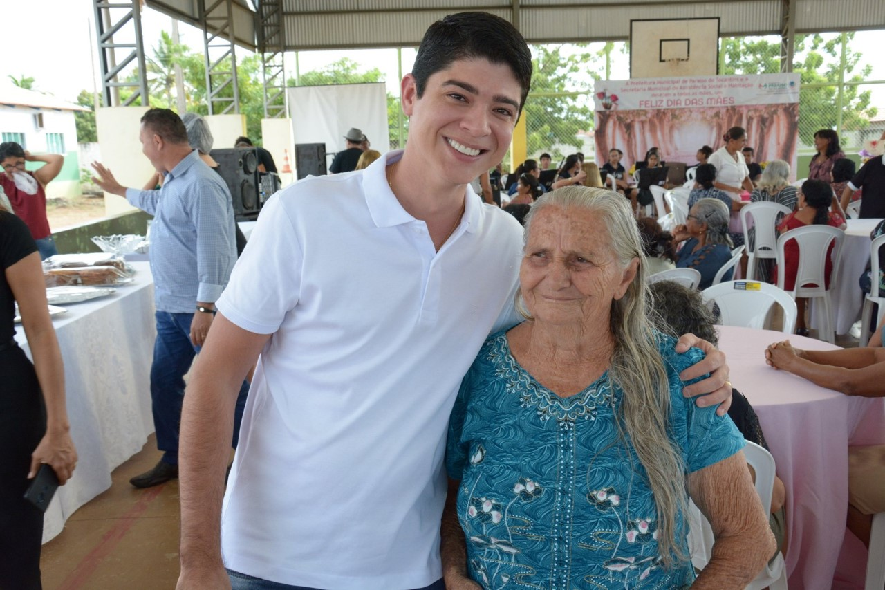 Prefeitura de Paraíso promove Chá da Tarde em comemoração ao Mês das Mães