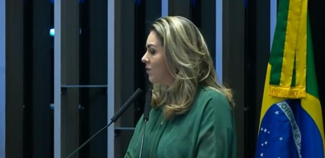 No Senado, prefeita Cinthia Ribeiro reivindica união do Congresso por novo pacto federativo
