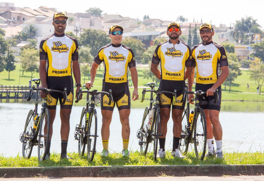 Equipe Promax Bardahl garante top 10 na disputa dos 100 km de Sorocaba de Ciclismo