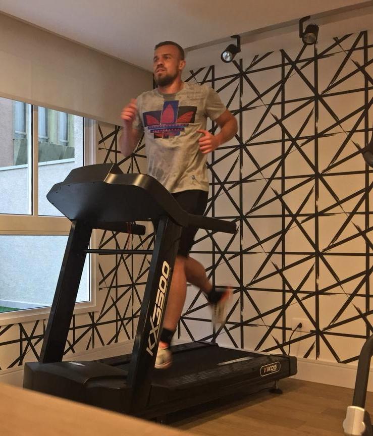 Desde 2014 no futebol turco, Chico intensifica treinamentos nas férias antes de reapresentação no Antalyaspor
