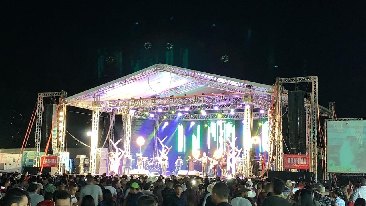 Cleber & Cauan traz grandes sucessos do sertanejo para show na ExpoBrasil 2019
