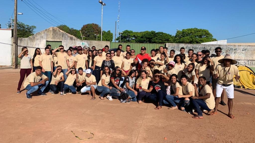 Em Santana do Araguaia, alunos acampam em protesto pela conclusão de reforma de escola
