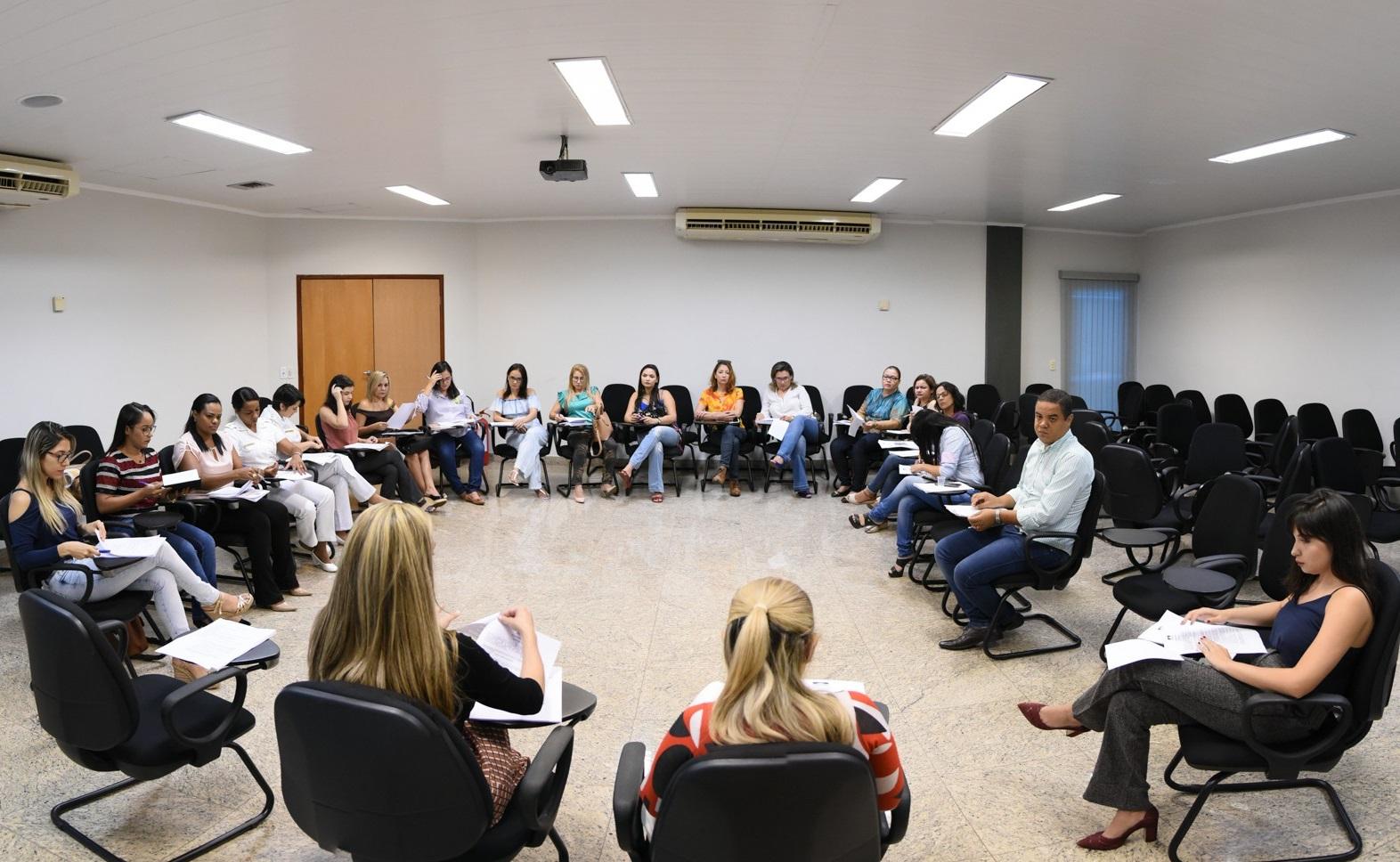 Equipe multidisciplinar discute últimos detalhes para execução do projeto de combate à violência doméstica e familiar