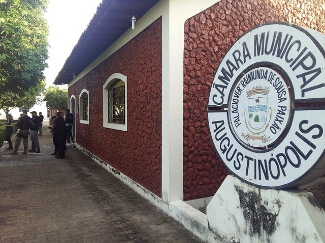 Câmara de Augustinópolis cassa mandatos de 10 dos 11 vereadores por suspeita de corrupção