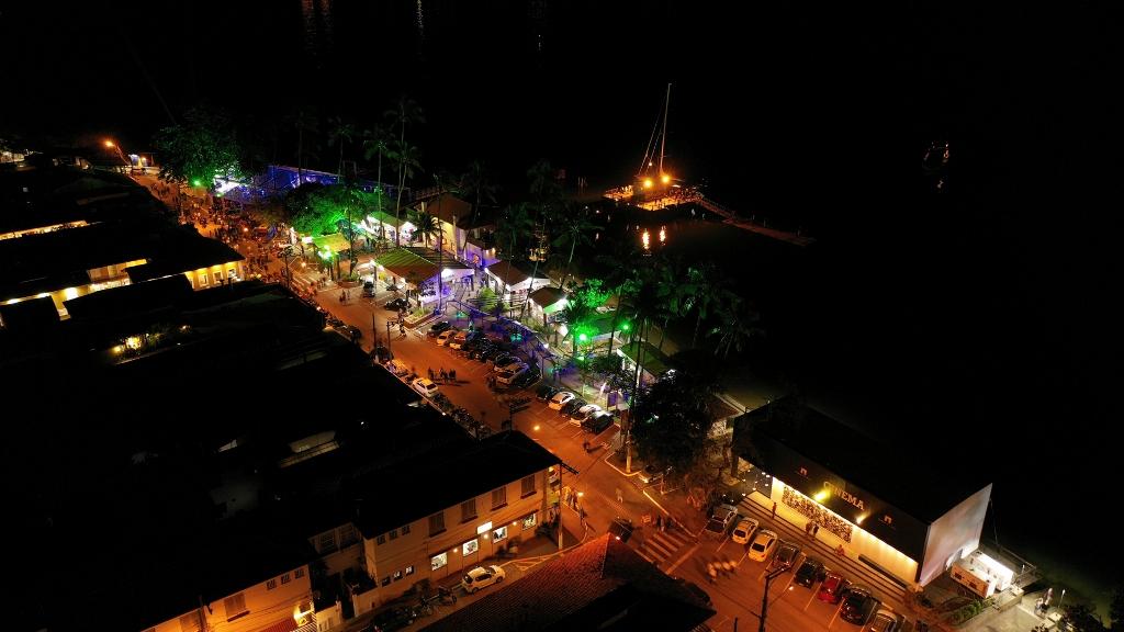 Final de semana tem premiação e atrações no Race Village de Ilhabela. Banda Ira! faz show na segunda