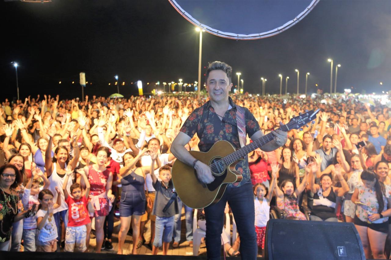 Trupe-Açu e Ivan Medeiros se apresentam no Araguaína Mais Verão desta semana