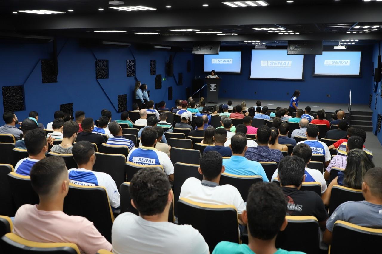 Empresas Madrinhas abrem suas portas para aprendizado prático de alunos do SENAI