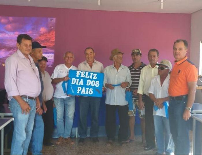 Em Monte Santo, Grupo da Melhor Idade Alegria de Viver participa de homenagem ao Dia dos Pais