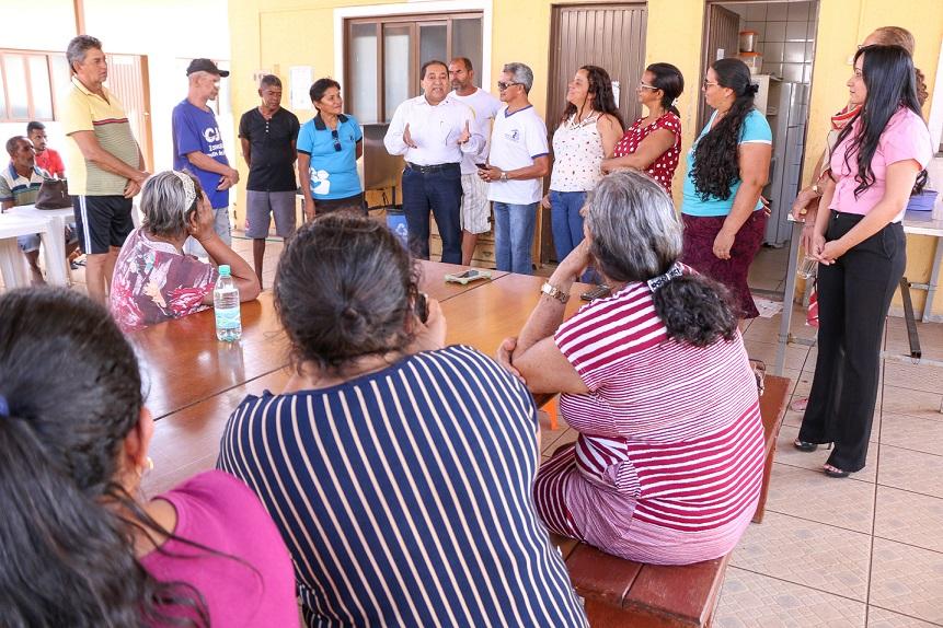Hóspedes da Casa de Apoio recebem visitas e atenção religiosa
