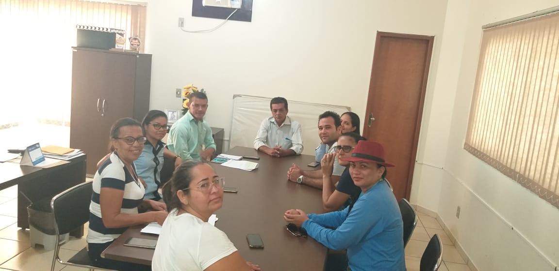Prefeito de Marianópolis busca solucionar problema de falta de água na cidade