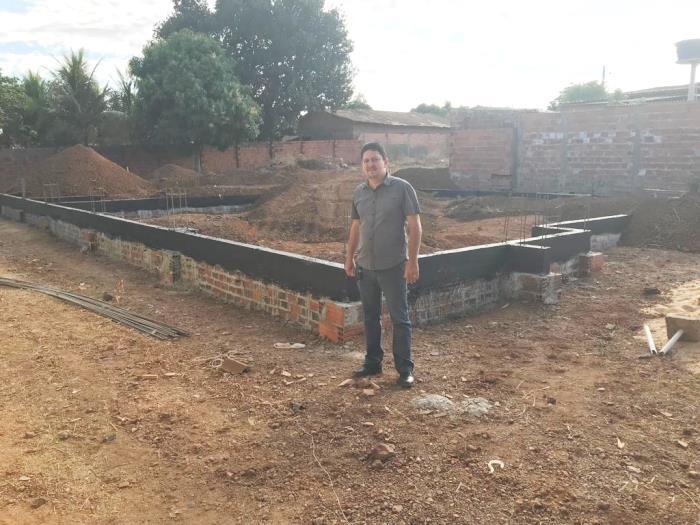 Prefeito e secretária de Assistência Social acompanham obras do Centro de Convivência do Idoso de Barrolândia