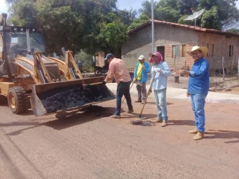 Prefeitura de Marianópolis realiza mais uma etapa da operação tapa-buracos