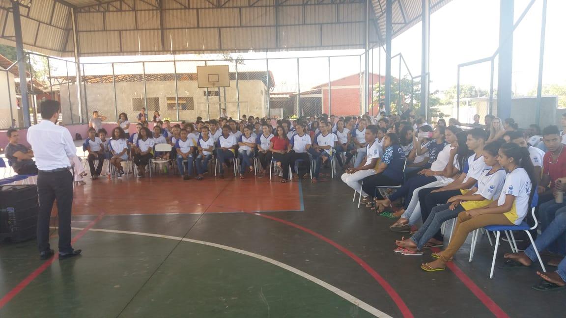 Profissionais da Prefeitura de Miracema participam de roda de conversa do Projeto de Vida no CEM Dona Filomena