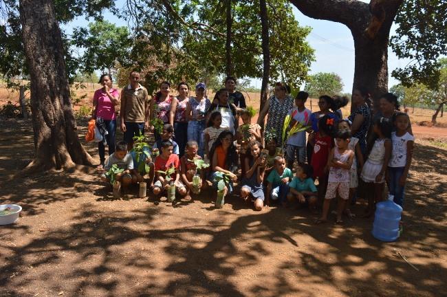Alunos da Escola Municipal Guimarães Rosa participam de atividades sobre preservação do meio ambiente em Dois Irmãos