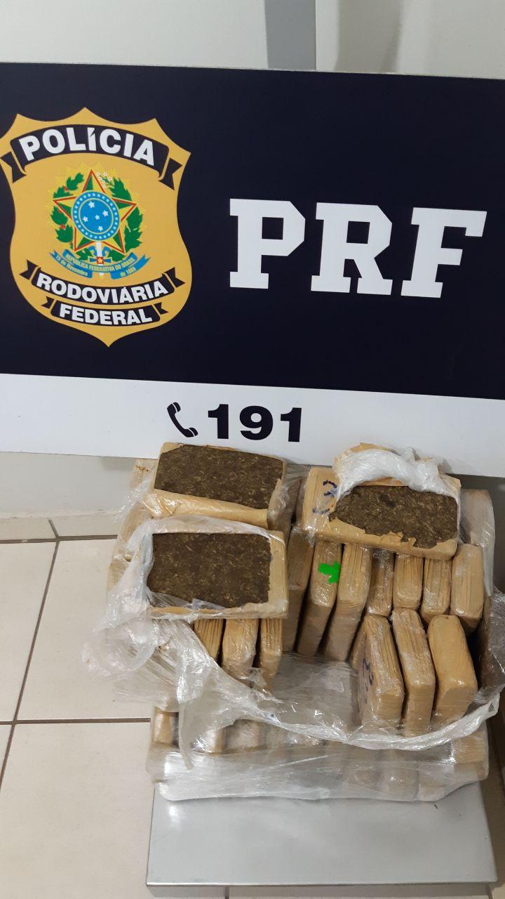 PRF e PM prendem mulher com 39 kg de maconha