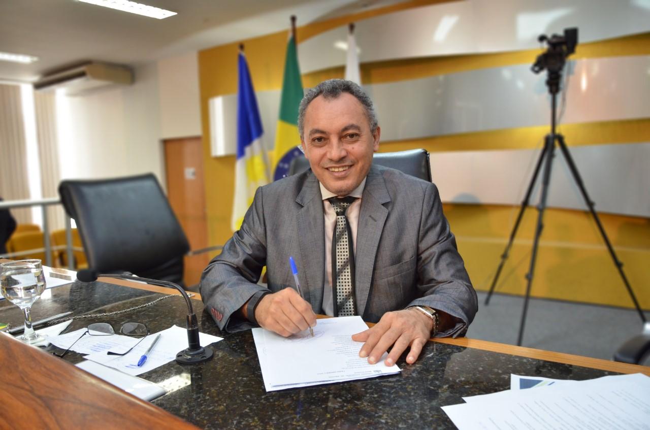 Câmara de Palmas convoca procuradores e analista de sistemas