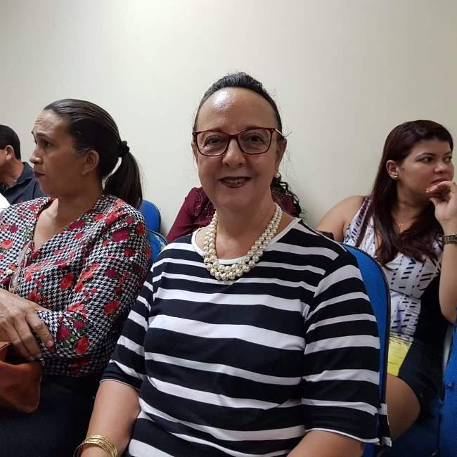 Secretária Municipal de Saúde de Pium participa de encontro de gestores em Palmas