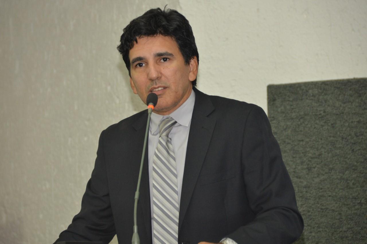 Professor Júnior Geo busca soluções para a saúde pública em Gurupi
