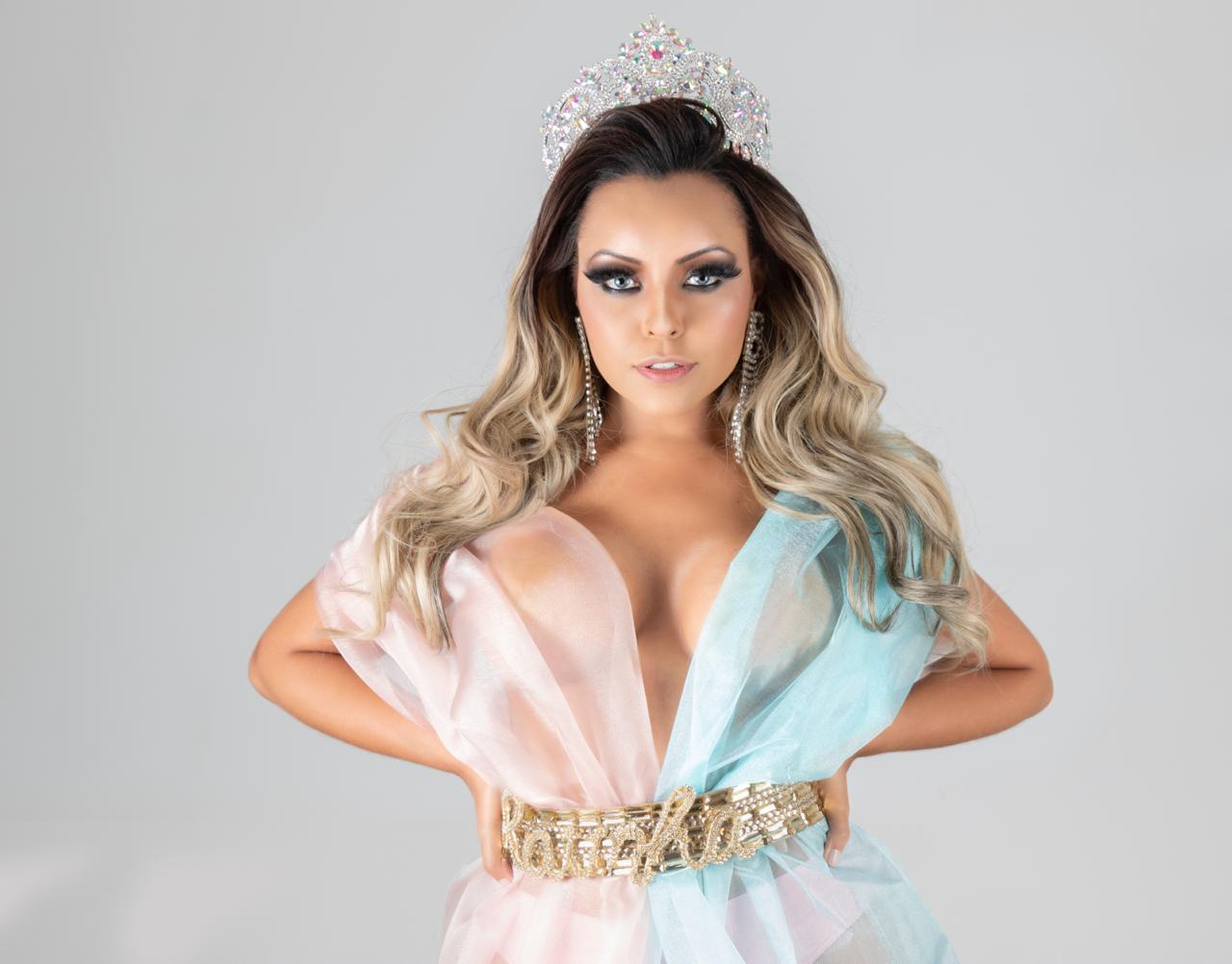 Ana Beatriz Godoi vai substituir Ellen Rocche na bateria da Rosas de Ouro