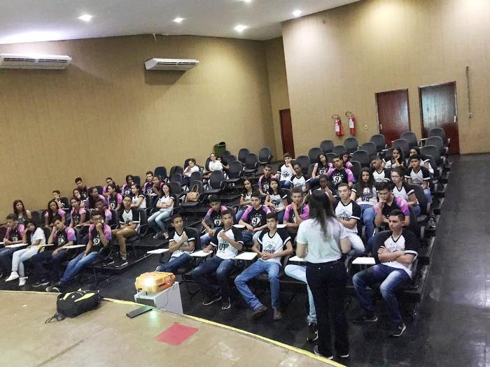 IFTO apresenta instalações e cursos do Campus Paraíso a estudantes do 9º ano do Ensino Fundamental