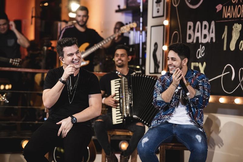 """""""No Barzim"""", Hugo e Guilherme gravam DVD em Goiânia"""