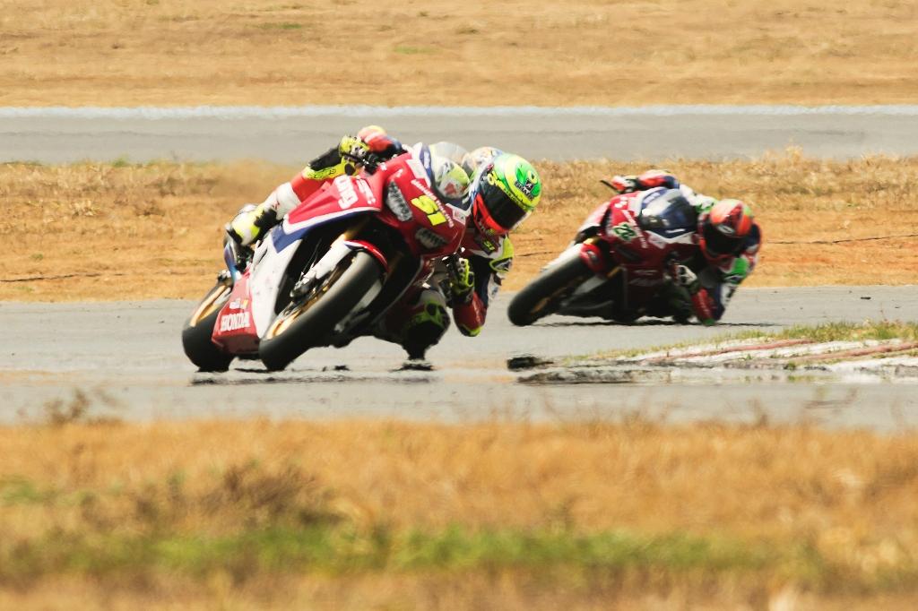 Eric Granado conquista duas vitórias na 7ª etapa do SuperBike Brasil