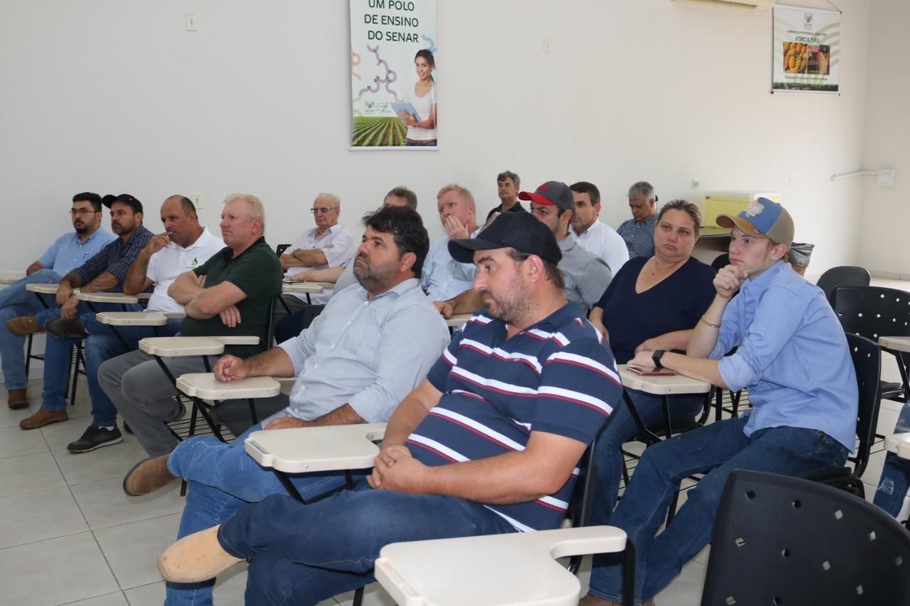 Sistema FAET/SENAR realiza reunião com produtores rurais para apresentação do Projeto de escoamento da Produção pela Ferrovia Norte/Sul