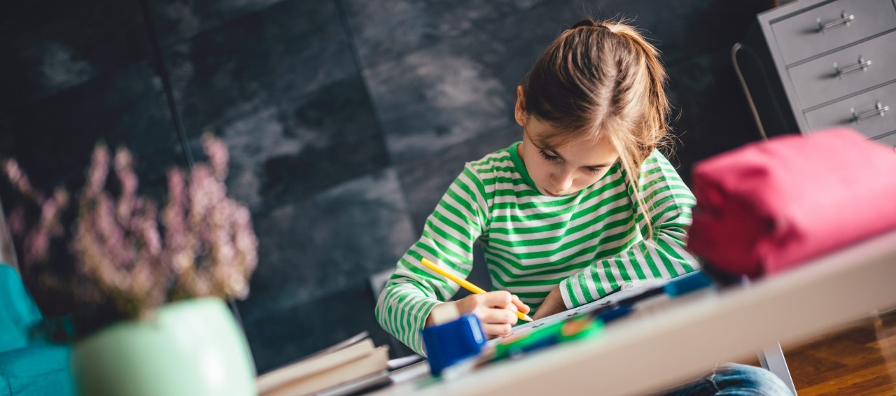 Ensinar crianças a aprender inglês, qual a diferença?