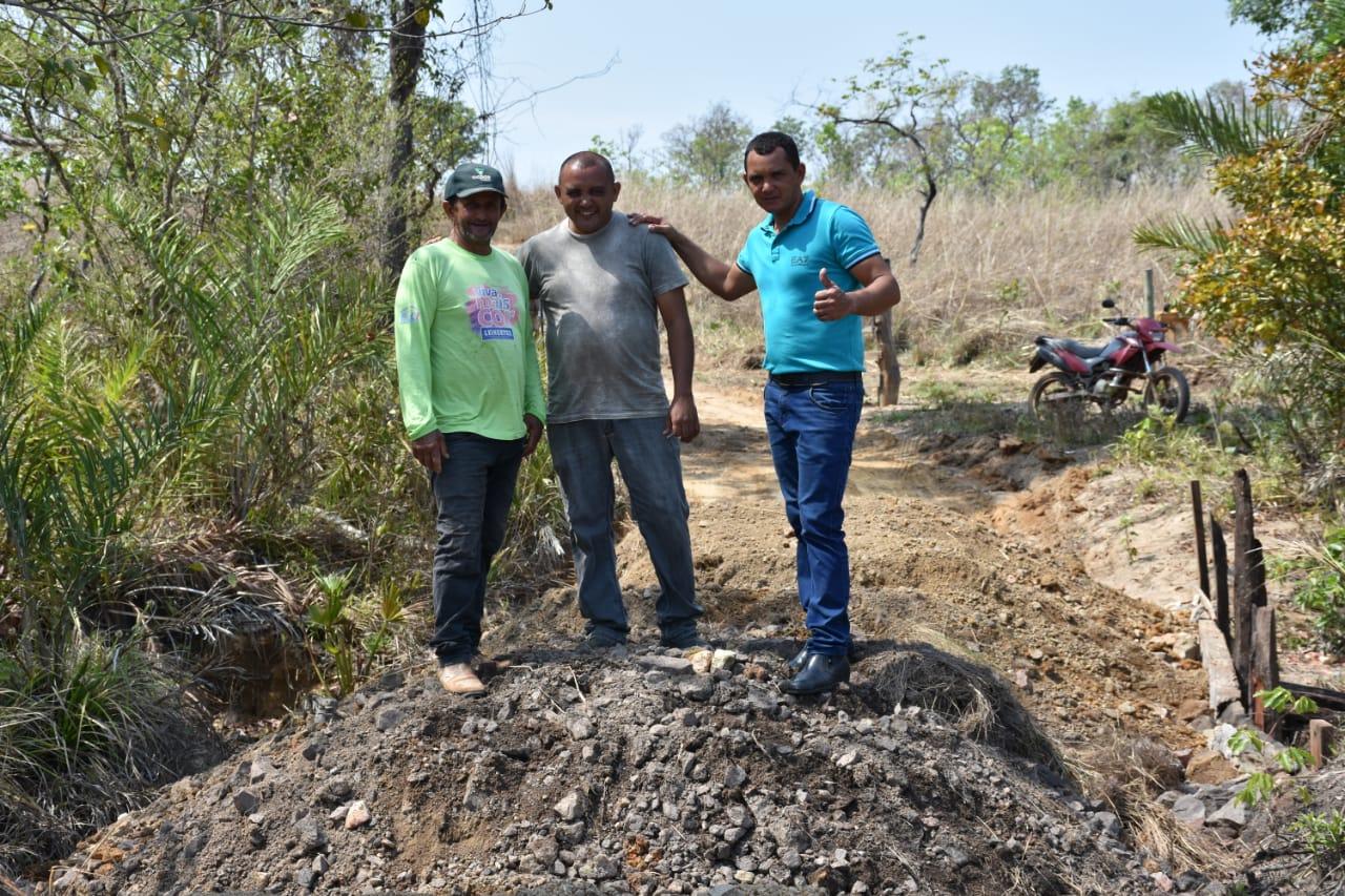 Prefeitura de Pugmil intensifica manutenção de estradas rurais