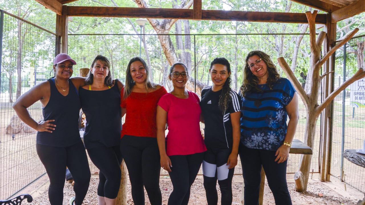 Em Palmas, Centro Flor de Lis reúne mulheres atendidas para aula de zumba e bate papo