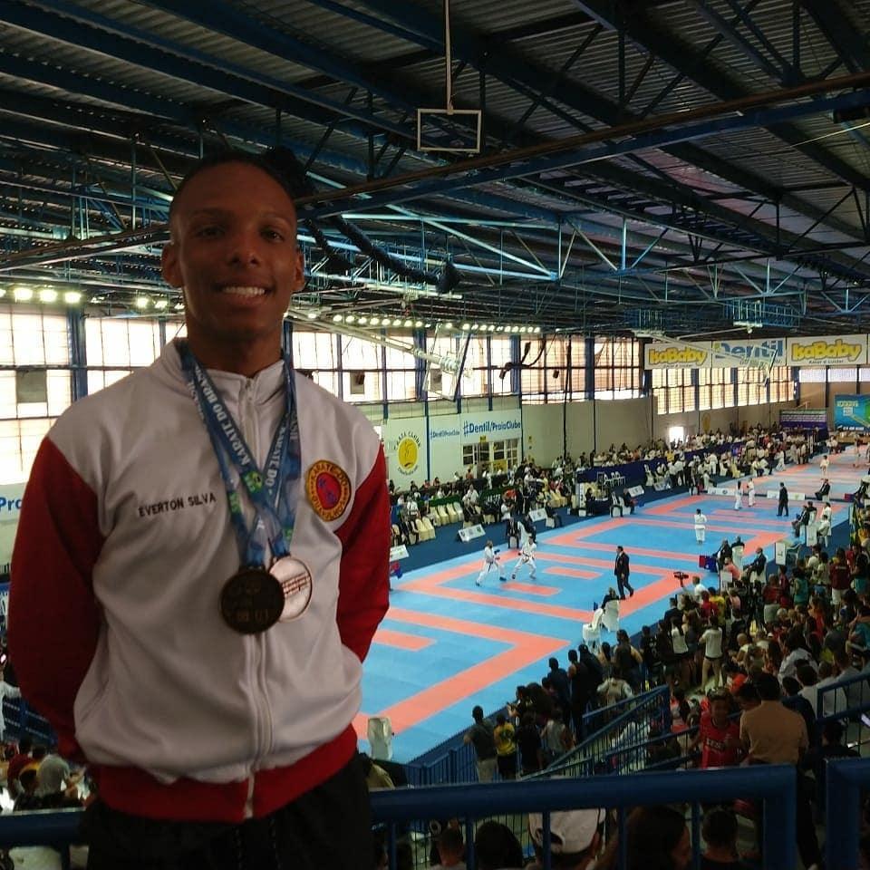 Atleta da UNG é bicampeão brasileiro de Karatê